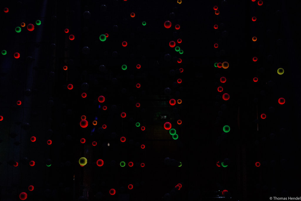 Neutrino Bubbles.